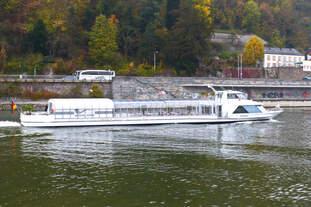 Sunliner von Wurm & Köck auf der Donau in Passau am 21.10.2017