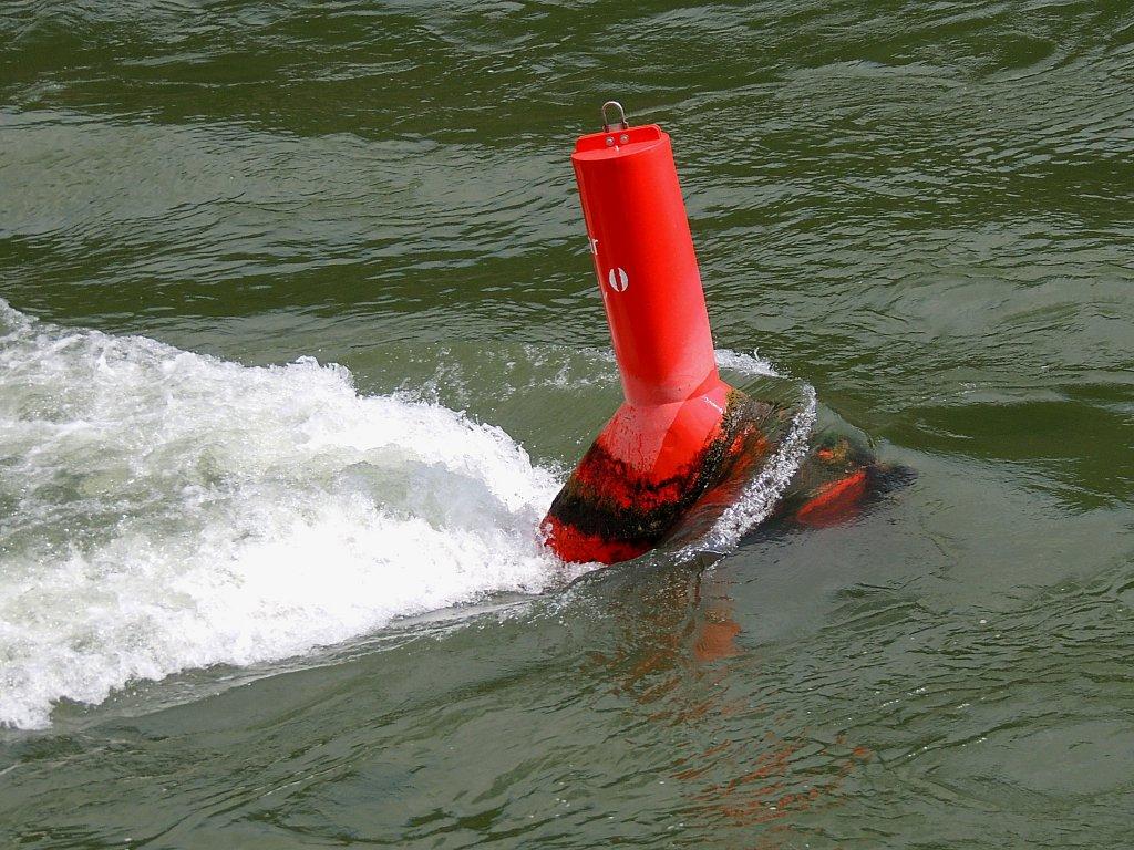 Grune Farbe Im Buro : Schwimmendes Fahrwasserzeichen Rote TonneBoje Rechte Begrenzung des
