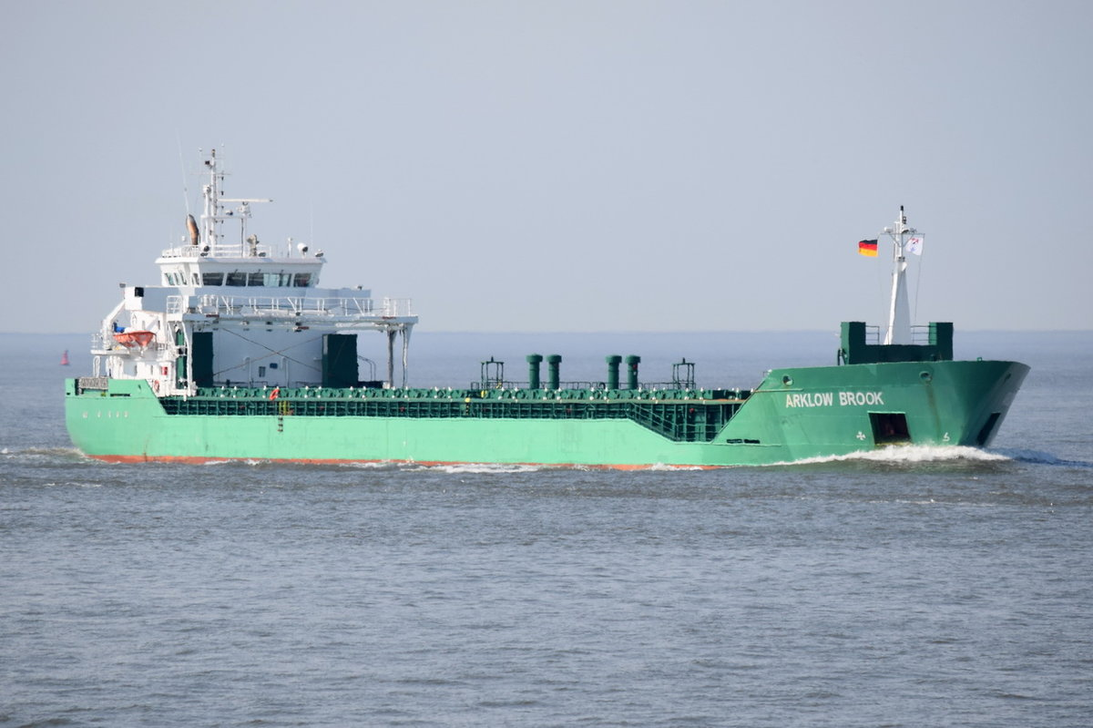 ARKLOW BROOK , General Cargo Ship , IMO 9433377 , Baujahr 2011 , 265 TEU , 116.1 × 15.8m , 17.05.2017  Cuxhaven