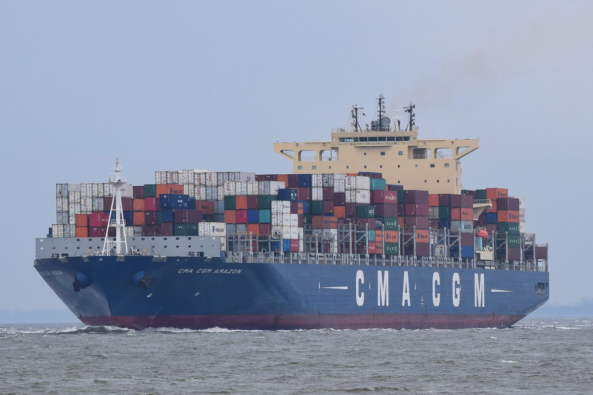CMA CGM AMAZON , Containerschiff , IMO 9706308 , Baujahr 2015 , 299.99 × 48m , 9162 TEU , 31.03.2018  Cuxhaven Alte Liebe