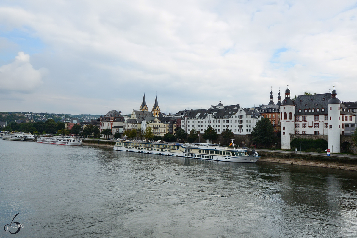 Das Peter-Altmeier-Ufer in Koblenz (September 2013)