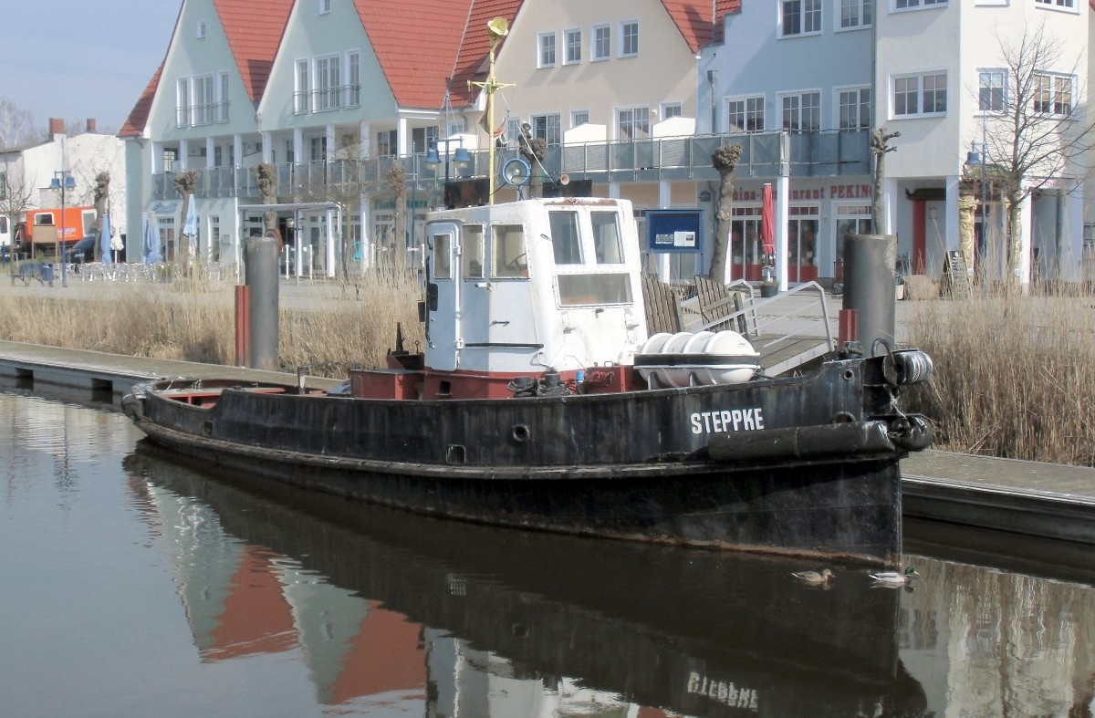 Der Schlepper  Stepke  (Bj. 1907) am 20.03.15 in Wolgast.