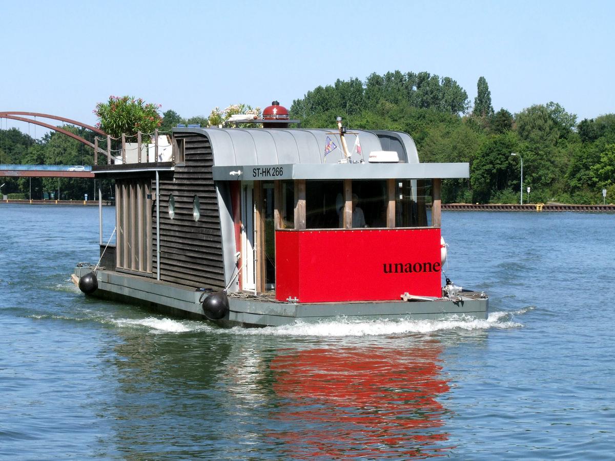 Unaone Hausboot