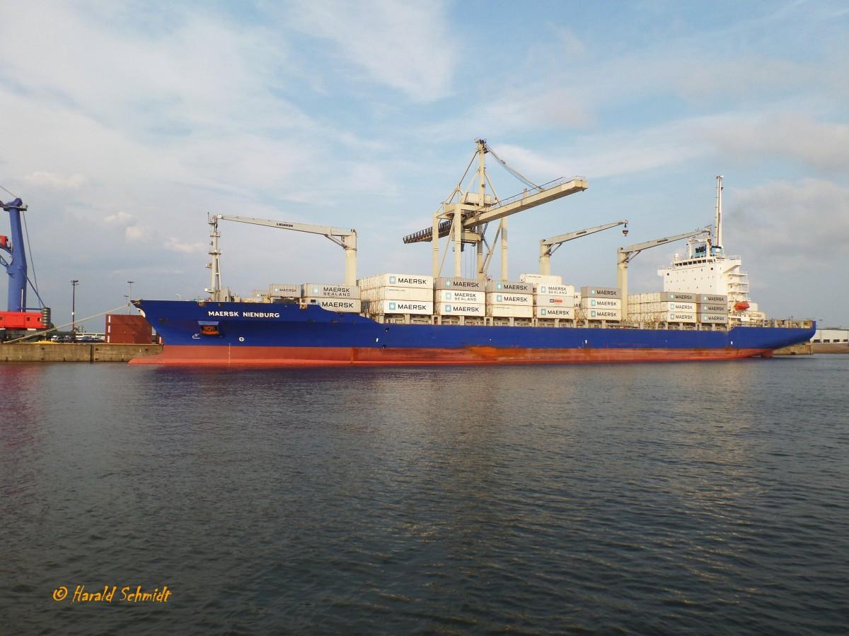 Maersk Nienburg Imo 9446104 Am 30 8 2015 Hamburg O