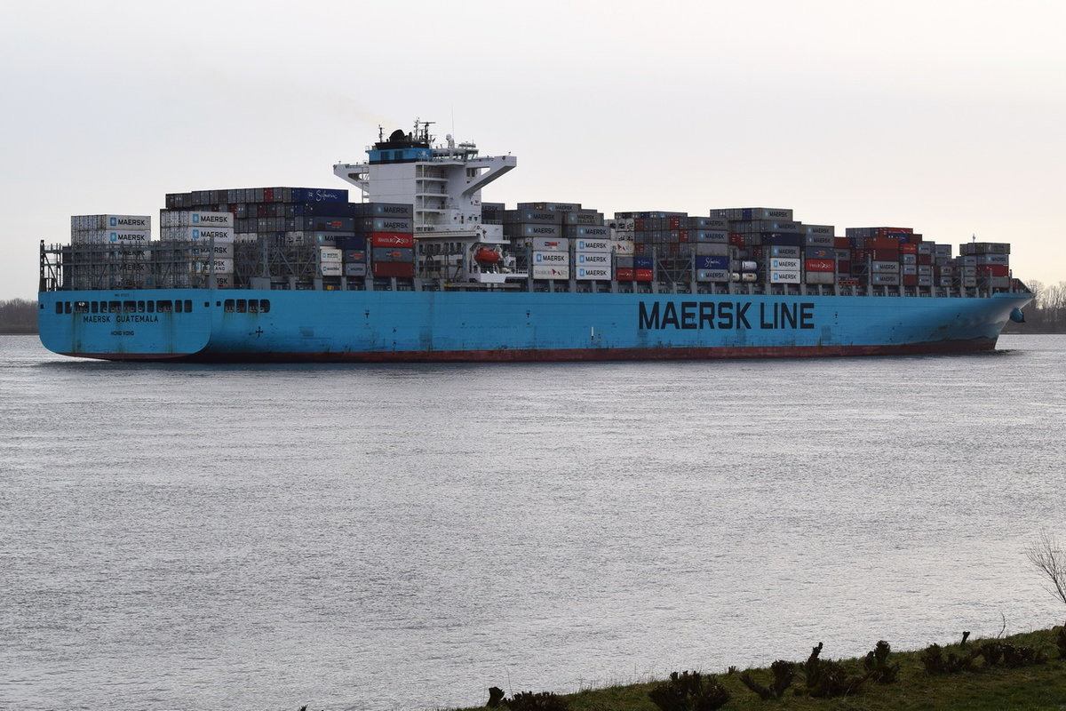 MEARSK GUATEMALA , Containerschiff , IMO  9713375 , Baujahr 2015 , 337 × 48.31m , 10100 TEU , Grünendeich , 16.03.2019