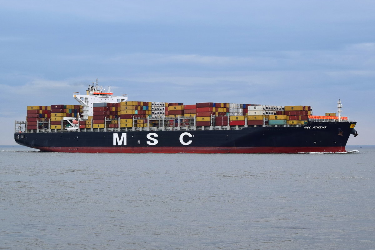 MSC ATHENS , Containerschiff , IMO 9618305 , Baujahr 2013 , 299.95 × 48.33m , 8800 TEU , 04.04.2018 Cuxhaven Alte Liebe