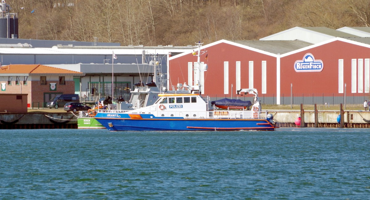 Polizeiboot  Granitz  am 03.04.15 in Sassnitz
