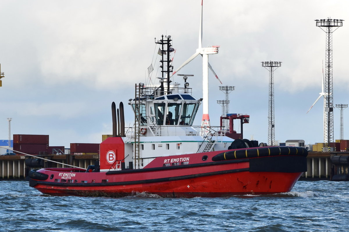 RT EMOTION , SAchlepper , IMO 9691369 , Baujahr 2015 , 31.95 × 12.6m , Bremerhaven , 28.10.2019