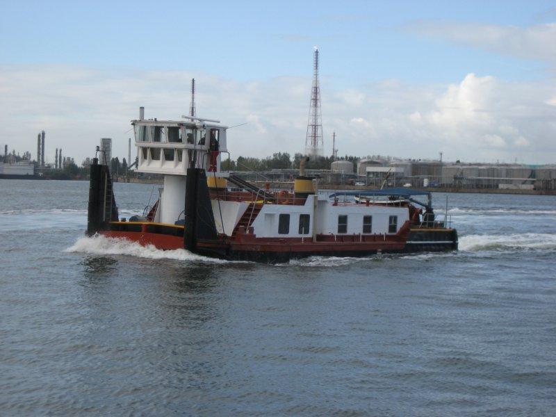 www.schiffbilder.de/bilder/ein-ex-polnisches-schubschiff-bizon-jetzt-3545.jpg
