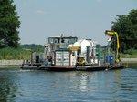 Heckansicht des Arbeitsschiifes Rhenania (04805410) am 24.06.2016 im Sacrow-Paretzer-Kanal bei km 30.
