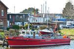 Feuerlöschboot SENATOR EMIL PETERS am 22.4.2018 im Hafen von Lübeck