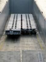 Die neuen Transport-Fahrgestelle für die Siemens-Gasturbinen im Laderaum des GSL Ursus (0481044).
