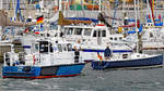 Polizeiboot HABICHT und Segelboot ECLIPSE am 4.8.2019 in Lübeck-Travemünde