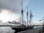 Das Segelschiff  Activ  im Hafen von Göteborg.